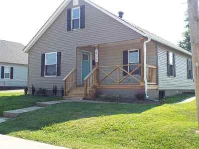 Ashland Single Family Home For Sale: 2236 Smith