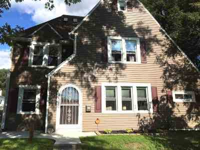 Ashland Single Family Home For Sale: 1134 Maple
