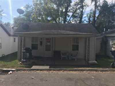 Ashland Single Family Home For Sale: 2408 Main St