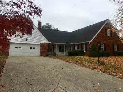 Ashland Single Family Home For Sale: 405 Sunset Drive
