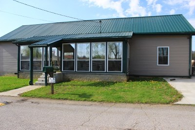 Greenup County Single Family Home Active-Back On Market: 212 Kentucky Ave