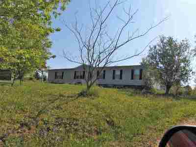 Carter County Single Family Home For Sale: 2400 State Hwy 1704