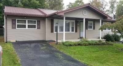 Greenup County Single Family Home For Sale: 1304 Vaughn Court