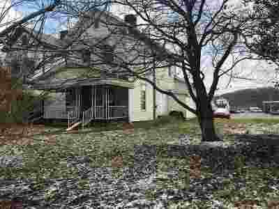 Ashland Single Family Home For Sale: 2749 Carter