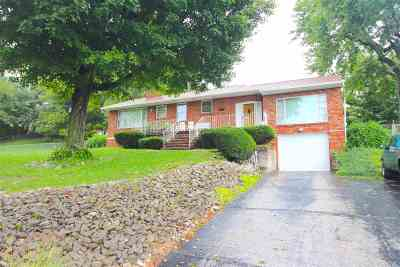 Ashland Single Family Home Pending-Continue To Show: 5908 Pinetree Court