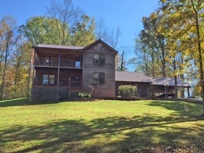 Carter County Single Family Home For Sale: 110 Woody Hollow