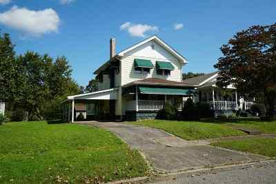 Ashland Single Family Home For Sale: 3251 Short