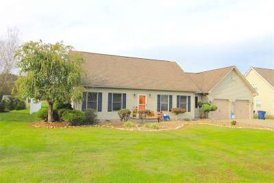 Greenup County Single Family Home Pending-Continue To Show: 122 Ferrer Lane