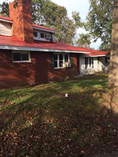 Carter County Multi Family Home For Sale: 830 Woods Drive