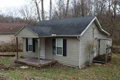 Ashland Single Family Home For Sale: 1924 Dixon Street