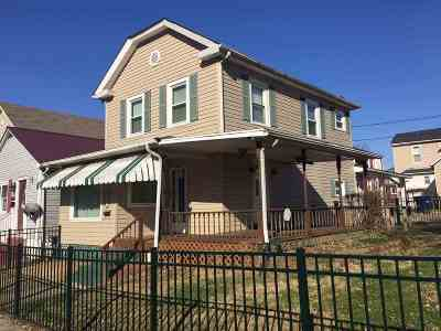 Ashland Single Family Home For Sale: 865 Montgomery Avenue