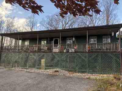 Catlettsburg Single Family Home For Sale: 4500 Sandstone Lane