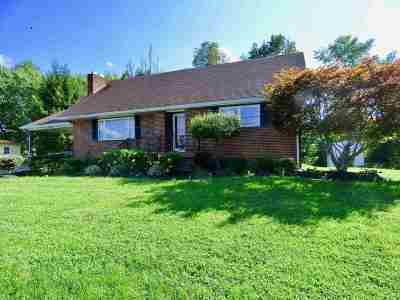 Greenup County Single Family Home Pending-Continue To Show: 1520 Riverside Drive