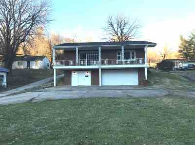 Lawrence County Single Family Home For Sale: 829 Marion Pike