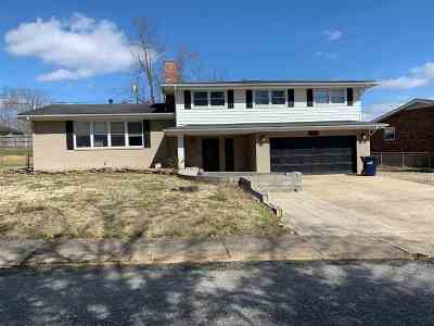 Ashland Single Family Home For Sale: 2325 Ranch Road