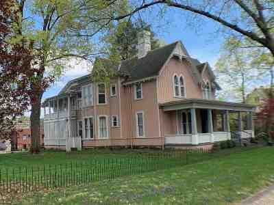 Ashland Single Family Home For Sale: 1317 Bath Avenue