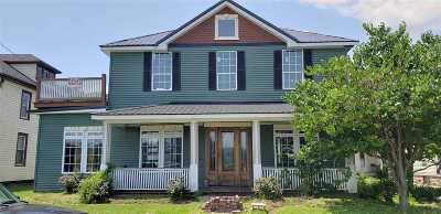 Greenup County Single Family Home For Sale: 329 Riverside Dr