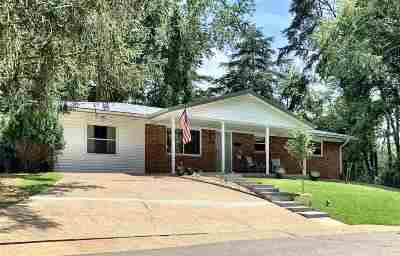 Ashland Single Family Home For Sale: 2862 Court Street