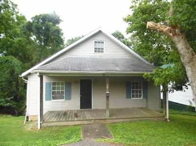 Ashland Single Family Home For Sale: 2160 Eltura Street