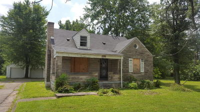 Single Family Home For Sale: 4707 Cane Run Rd