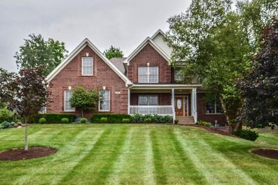 Crestwood Single Family Home For Sale: 6209 Perrin Dr