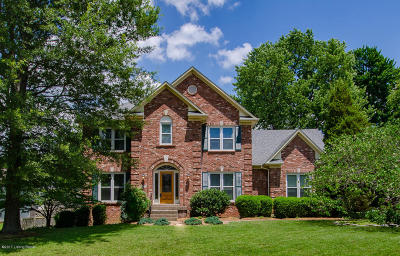 Louisville Single Family Home For Sale: 1113 Bentwood Place Ct