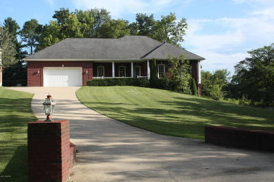 Louisville Single Family Home For Sale: 1098 N Pope Lick Rd