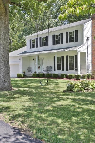 Louisville Single Family Home For Sale: 10401 Muskogee Rd