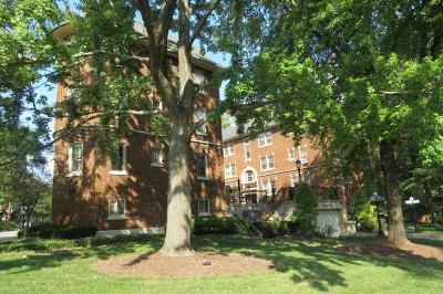 Highlands Condo/Townhouse For Sale: 1601 Spring Dr #22