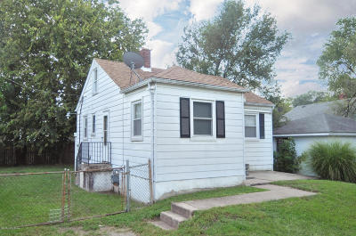 Louisville Single Family Home For Sale: 716 Compton St