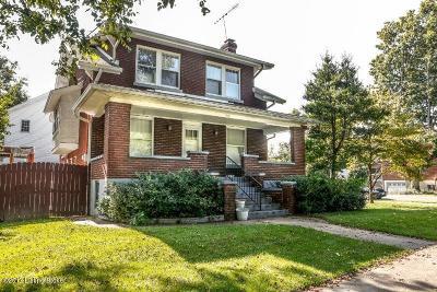 Louisville Single Family Home For Sale: 300 Breckenridge Ln