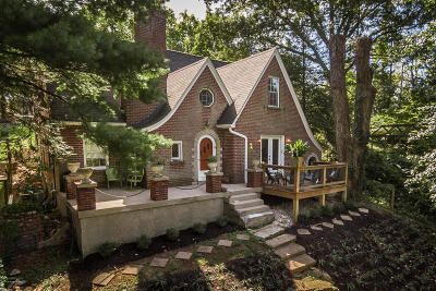 Louisville Single Family Home For Sale: 2408 Cross Hill Rd