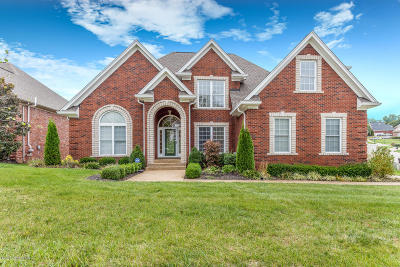 Louisville Single Family Home For Sale: 5520 Valley Park Dr