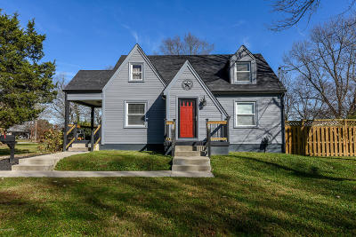 Louisville Single Family Home For Sale: 3009 Flair Knoll Dr