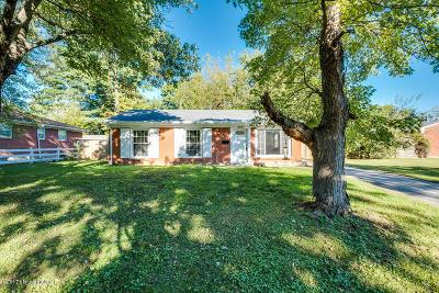 Louisville Single Family Home For Sale: 2227 Paris Dr