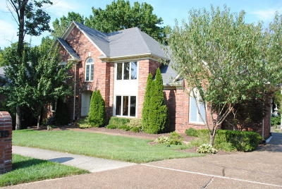 Louisville Single Family Home For Sale: 813 Lake Forest Pkwy
