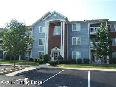 Oldham County Condo/Townhouse For Sale: 6401 Cameron Ln #206