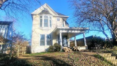 Louisville KY Single Family Home For Sale: $380,000
