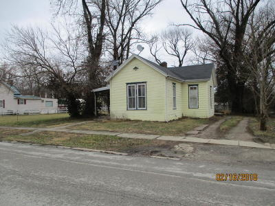 Carroll County Single Family Home For Sale: 215 7th St