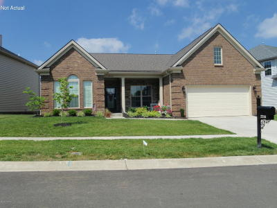 Louisville Single Family Home For Sale: 2202 Somersly Pl