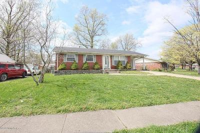 Clarksville Single Family Home Pending: 1001 Spicewood Dr