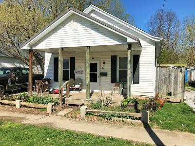 Carroll County Single Family Home For Sale: 821 Seventh St