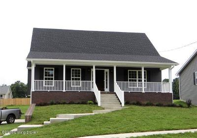 Radcliff Single Family Home For Sale: 131 Boone Trace