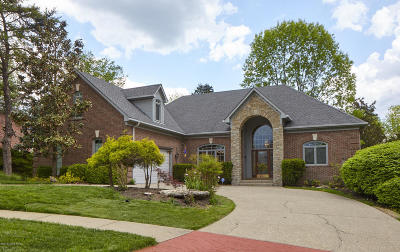 Louisville Single Family Home For Sale: 8304 Running Spring Dr