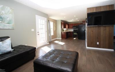 Bullitt County Single Family Home For Sale: 442 Madison Rae Blvd