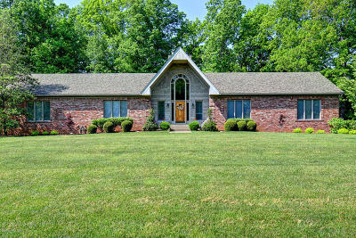 Crestwood Single Family Home For Sale: 5604 Chapel View Dr