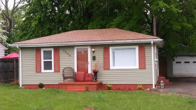 Louisville Single Family Home For Sale: 2509 Briargate Ave