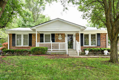 Louisville Single Family Home For Sale: 1048 Old South Acres Dr