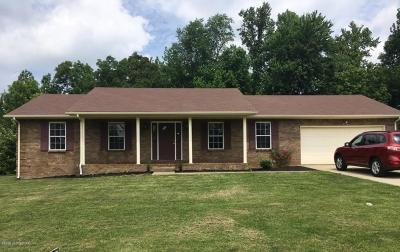 Muldraugh Single Family Home For Sale: 203 Holston Estate Pl