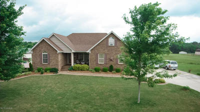Shepherdsville Single Family Home For Sale: 604 Meadowland Trail